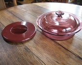 Corning Vision Round Ribbed 1.5 Qt Casserole w Pyrex and Plastic Lid Cranberry