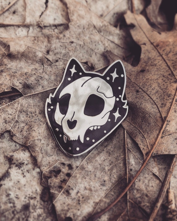 Space Cat Enamel Pin - 1.25 Inches - Witchy Pin - Black Magic Fashion - Pet Skull - Punk Witch - Witchcraft Aesthetic Jewellery