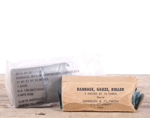 Vintage Military Bandage Gauze / 1960 - 1988 Comoflaged Bandage / Military Army Collectible / Military Gifts / Camping Outdoor Gear / Hiking