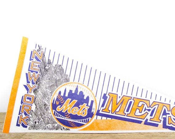 Vintage New York Mets Pennant / Mets Collectible / Large MLB Baseball Souvenir Felt Pennant