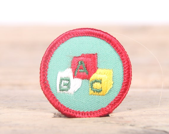 """Vintage Girl Scout Patch / 1970's-80's Scout Patch / Red Green ABC Old Stock Scout Patch / 1.5"""" Girl Scouts Patch / Scout Badge"""