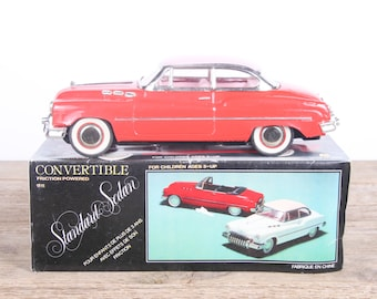 Vintage Convertible Voiture CAR / MF 322 Red 1960's Standard Sedan Tin Friction Toy / Tin Toys / Model Car / Toy Car / Collectible Toy Car