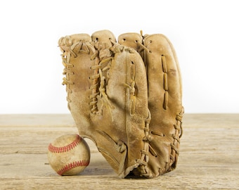 Vintage Diamond King Baseball Glove / Old Vintage Leather Baseball Glove / Antique Baseball Room Decor