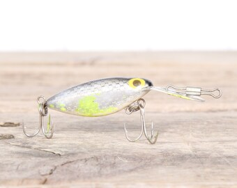 Fishing Lure / Green Thin Fin Fishing Lure / Fishing Decor / Vintage Fishing Lure / Plastic Lure / Old Fishing Lure / Dad Fishing Lure Gift
