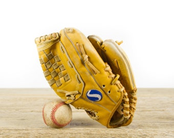 Vintage Spalding Frank Viola Baseball Glove / Antique Leather Baseball Glove / Antique Baseball Room Decor / Old Glove