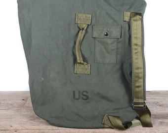 Vintage Military Duffle Nylon Green Bag / Army Bag / Retro Military Bag / Stylish Gift For Him / Travel Luggage / Authentic US Army Bag