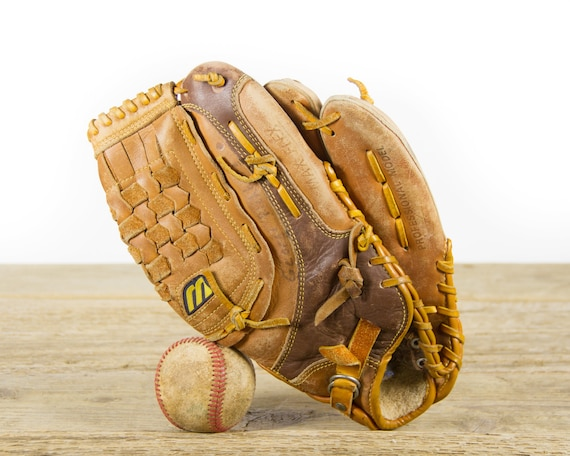 Vintage Mizuno MT360 Baseball Glove / Antique Leather Baseball Glove / Antique Baseball Room Decor / Old Glove
