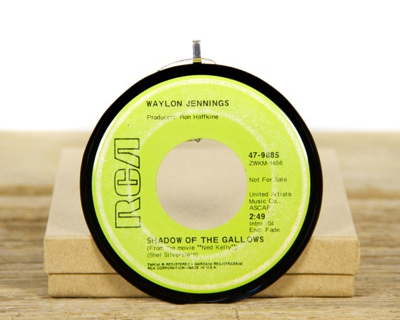 """Vintage Waylon Jennings """"Shadow of the Gallows"""" Record Christmas Ornament from 1970 / Music Gift Present / Vintage Ornament / Country, Folk"""