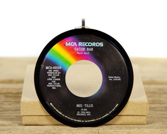 "Vintage Mel Tillis ""Gator Bar"" Record Christmas Ornament from 1976 / Music Gift Present / Vintage Ornament / Country, Folk"