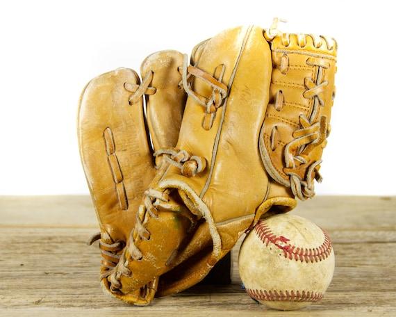 Vintage Reach Company Cambridge BL60 Kids Baseball Glove / Vintage Baseball Glove / Vintage Baseball Mitt / Baseball Decor