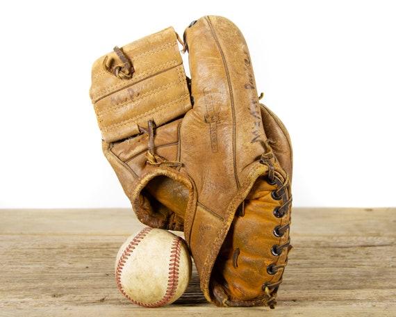 Vintage 1950s Full Grain Leather MacGregor G29 Youth Baseball Glove / Baseball Decor