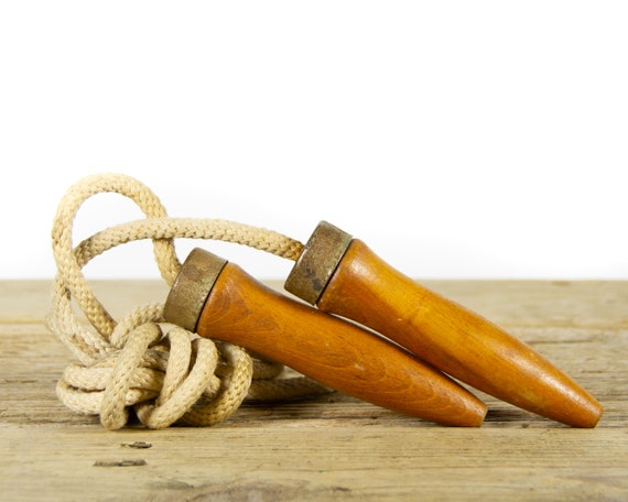 Vintage Wood and Cotton Jump Rope / Old Workout Equipment and Sports Decor