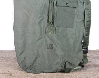 Vintage 1968 Military Duffle Nylon Green Bag / Vietnam Army Bag / Retro Military Bag / Travel Luggage / Authentic US Army Bag