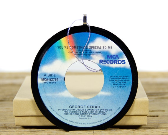 Vintage George Strait Vinyl Record Christmas Ornament from 1985 / Vintage Holiday Music / Jukebox 45 Vinyl Record Gift / Country Folk