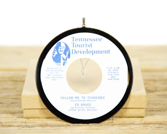 """Vintage """"Follow Me To Tennessee"""" by Ed Bruce Record Christmas Ornament from 1975 / Tennessee Collectible / Tennessee Ornament / Country"""