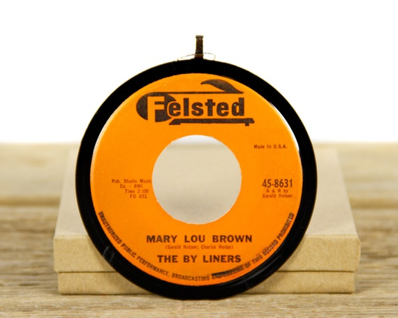 """Vintage The By Liners """"Mary Lou Brown"""" Record Christmas Ornament from 1961 / Vintage Holiday Decor / Music Gift / Pop, Vocal"""