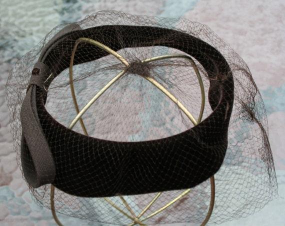 Hat Brown Velvet Fascinator 1950s - image 4