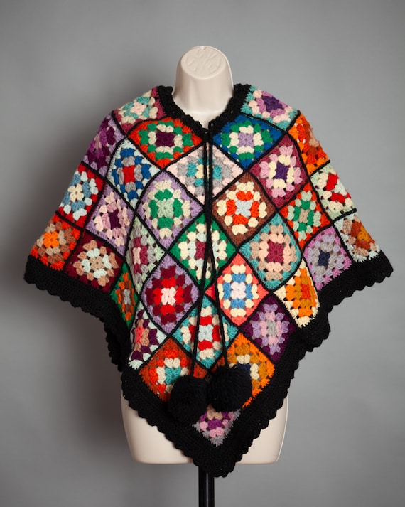 Vintage 60s 70s Colorful Knitted Afghan Poncho Gra