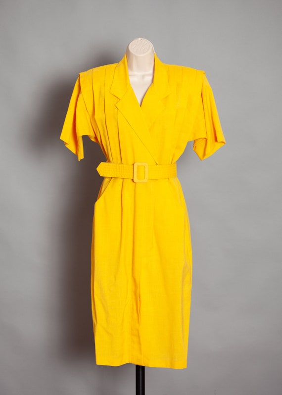 70s 80s Women's Yellow dress with Belt