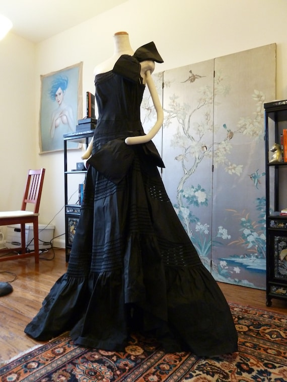 ULTIMATE Silk 1950s DRAMATIC COUTURE celebrity wor