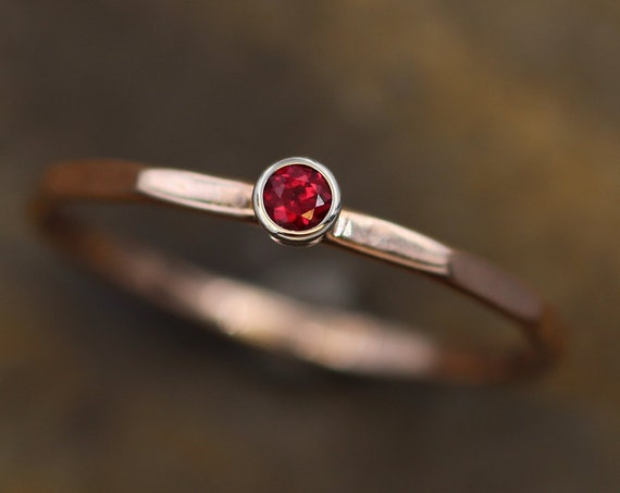 Ruby Gold Stacking Ring - 2.5mm Round Ruby, In Recyceld Gold - Thick Stackable - Hammered Texture - Skinny Ruby Ring