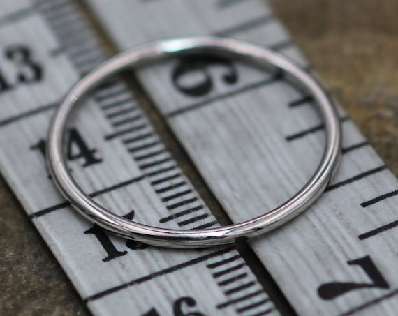 Platinum Round 1.4mm Band - Glossy Finish - Small Platinum Stacking Ring - Petite Platinum Band