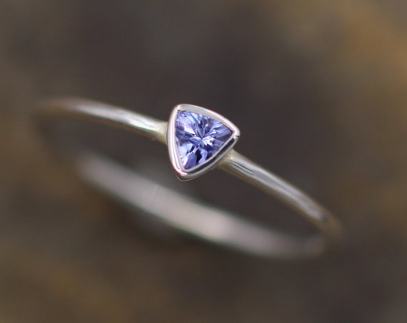 Tanzanite Ring - Tanzanite Trilliant - Tanzanite Bezel Ring - Tanzanite Solitaire Ring - Simple Tanzanite Ring - Natural Tanzanite