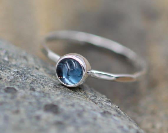 London Blue Topaz Stacking Ring - Round Topaz Ring - Topaz Stackable Ring - Hammered stacking ring - dark blue topaz ring