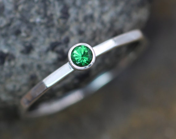Tsavorite Garnet 3mm Bezel Stacking Ring - Glossy Finish - Argentium Sterling silver - Stackable - Green Garnet Ring - Skinny Garnet Ring