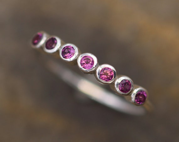 Pink Garnet Multi Bezel Wedding Band - Rhodolite Garnet Bezel Wedding Band - Garnet Ring - Garnet Bezel Ring - Garnet Multiple Bezels