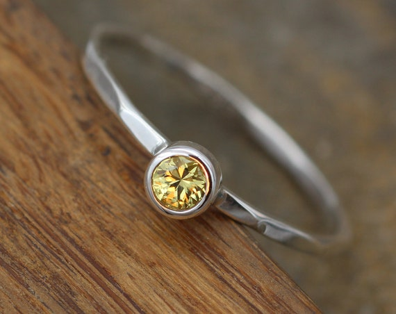 Yellow Sapphire 3.5mm Bezel Ring - Yellow Sapphire Stacking Ring - Stacking Bezel - Hammered Texture - Skinny Sapphire Ring - Stack Ring
