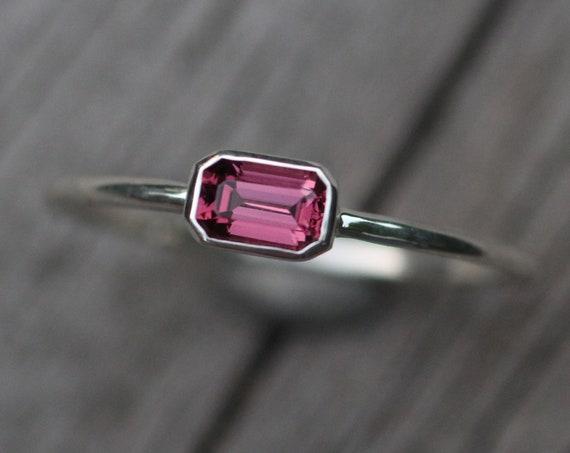 Sideswepte Rhodolite Garnet 3x5mm Octagon Bezel Ring - Rhodolite solitaire Ring - Rhodolite Garnet Engagement Ring - Rhodolite octagon Ring