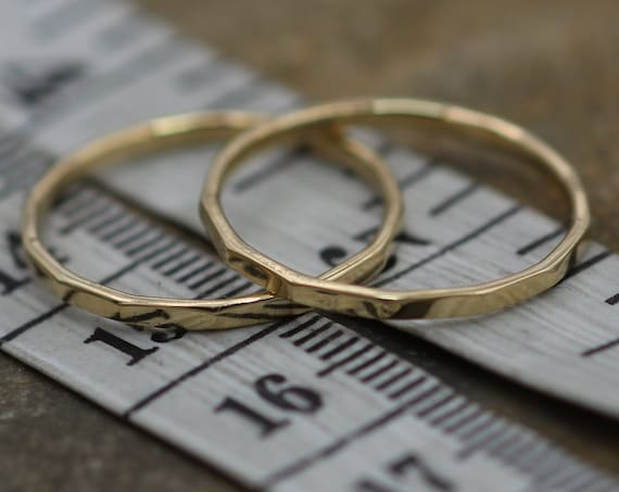 Rose or Yellow Gold 1.4mm Hammered Band, Faceted Texture, Simple band - 1.4 mm width - Thicker Band - Yellow Gold Band