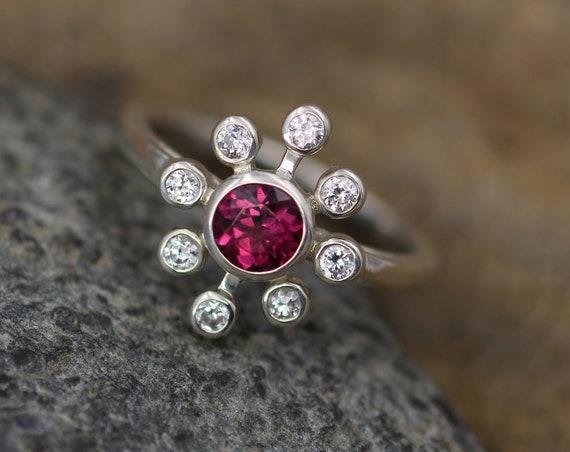 Rhodolite Garnet Flower Bezel Ring - Moissanite and Pink Garnet Bezel Ring - Garnet Floral Ring - Rhodolite Garnet Bezel Ring - Garnet Ring