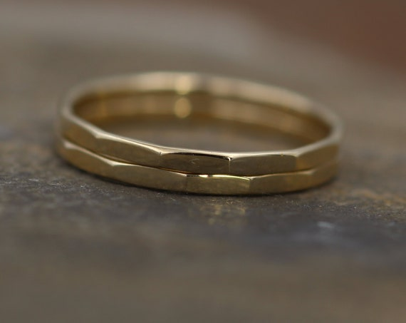 14kt Yellow Gold 1.4mm Hammered Band Glossy Finish - Simple Solid Gold Band - Textured Band - Gold Band