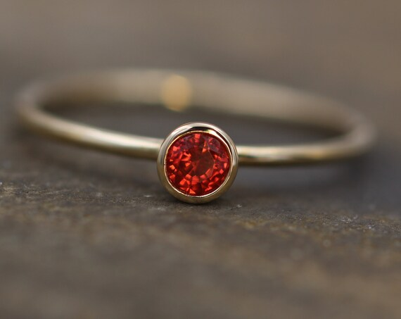 Pomegranate Sapphire 3.5mm Shiny Gold Stacking Bezel Ring - Red Sapphire Ring - Orange Sapphire Ring - Pomegranate Ring - Bezel Ring