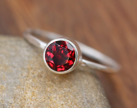 Garnet Stacking Ring - Glossy Finish -Hammered Stacking Ring - Stackable Ring - Hand Made in Sterling Silver - Hammered Band