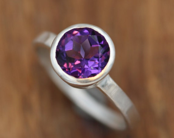 Amethyst Bezel Ring - Matte Finish Solitaire Amethsyt Ring - Round Amethyst Ring - Alternative Ring - Recycled - February Birthstone Ring