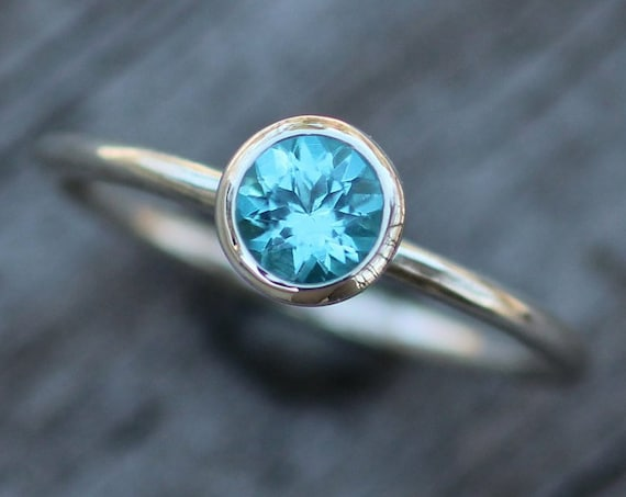 Apatite Bezel Ring 5mm Round - Apatite Solitaire Ring - 1.4 mm Band - Apatite Ring - Silver or Gold Stacking Ring -  Blue Stacking Ring