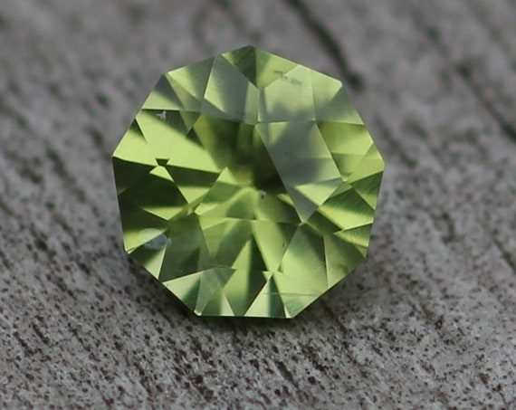 Peridot Hand Cut Gemstone - Precision Cut 6mm Round Peridot - Loose Gemstone - Precision Cut Gemstone - Fancy Peridot - Peridot Engagment