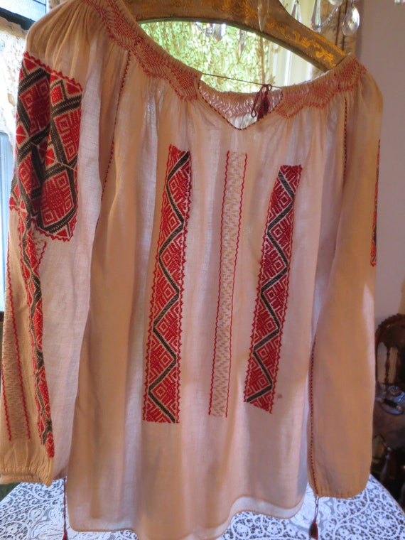 ROMANIAN Hand EMBROIDERED BLOUSE