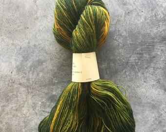 Plantdyed yarn to make mittens