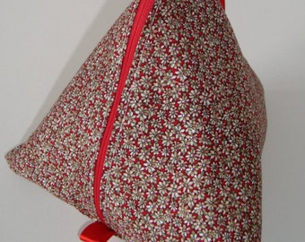 Knitting Pouch (pyramid style)- Daisy Chain