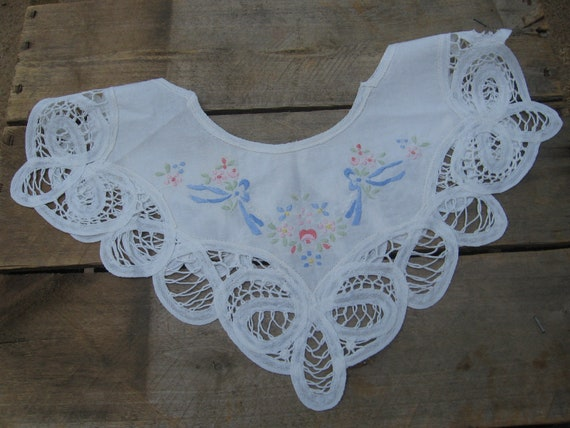 Off White Collar Bodice Insert  Detachable Collar  Vintage Collar  Sewing Trim  Dress Trim  Bow and Flowers