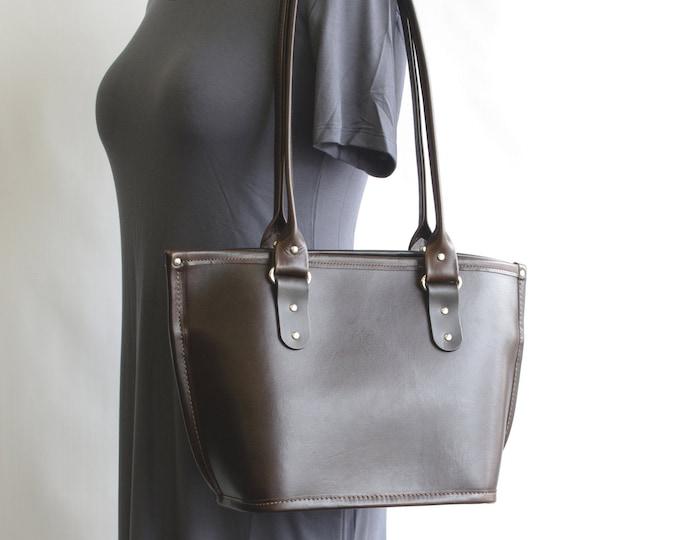 Featured listing image: Medium Leather Tote Bag v1 (magnetic closure)