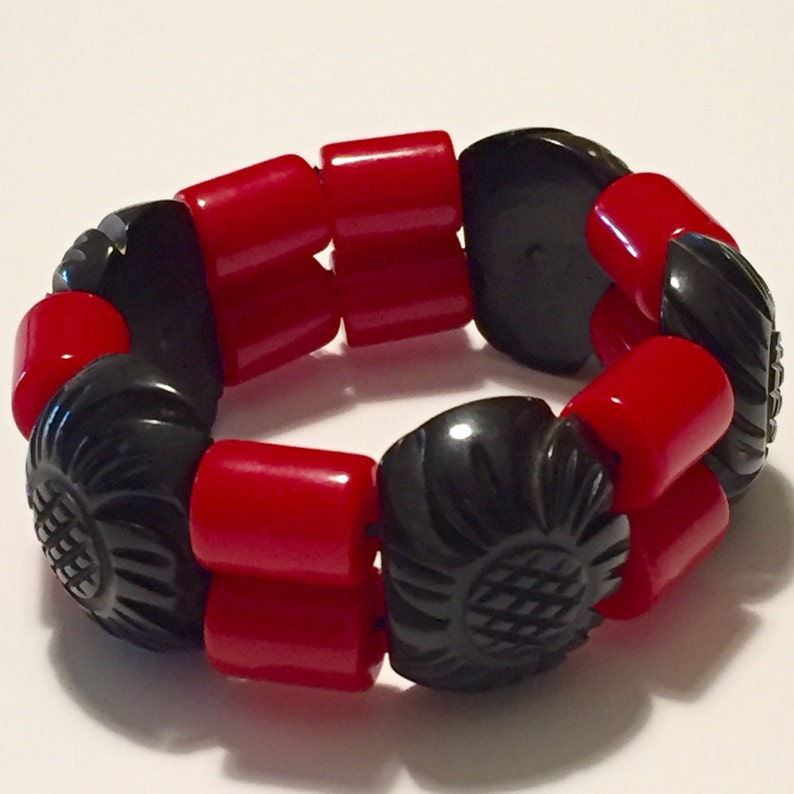 Bakelite Bracelet Stretch Cuff Carved Black and Red beads