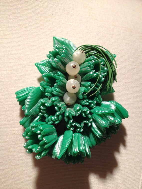 Haskell Hess 1940s Green Celluloid Brooch