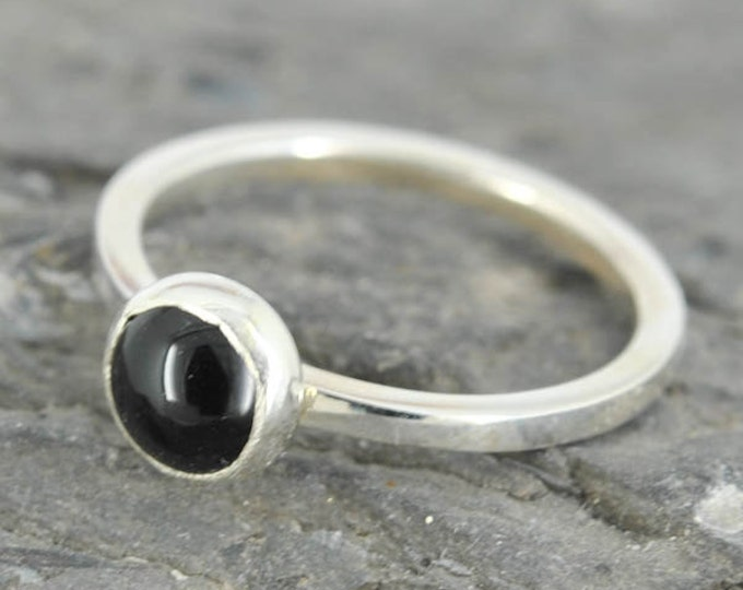 Black onyx ring, 5mm gemstone ring, stacking ring, july birthstone ring, personalized ring, bridesmaid ring, bridesmaid gift, best friends