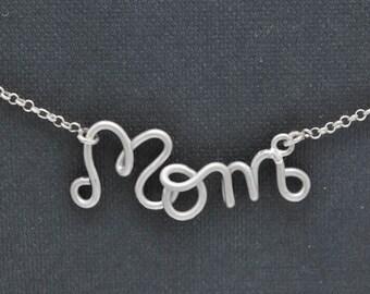 Mom bracelet, mothers day bracelet, gift for mom, wire bracelet, personalized wire bracelet, grandma