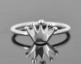 Crown ring, gold ring, princess crown ring, dainty ring, tiara ring, sweet 16 jewelry, stacking ring, sterling silver ring